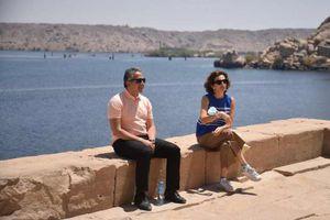 وزير السياحة والآثار ومدير عام منظمة اليونسكو يقومان بجولة بمحافظة أسوان
