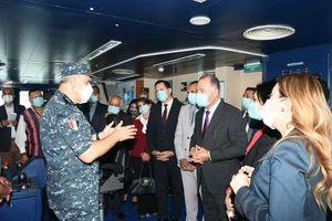 القوات البحرية تحتفل بعيدها الرابع والخمسين بتنفيذ عدد من التشكيلات البحرية والجوية