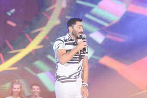 تامر حسني يفتتح أولى حفلات الصيف في العلمين الجديدة