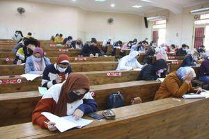 امتحانات جامعة المنصورة وسط إجراءات احترازية لمواجهة فيروس كورونا