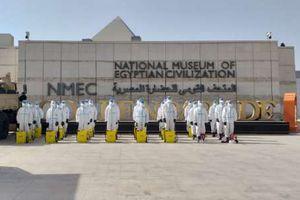 المتحف القومي يقوم بأعمال التعقيم والتطهير الدورية للحفاظ على سلامة العاملين والسائحين