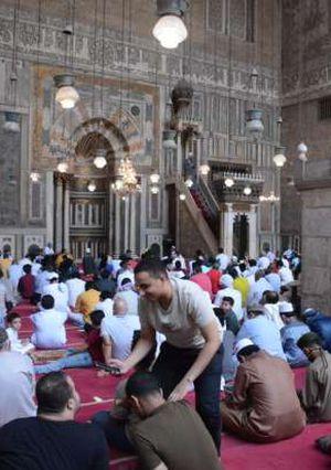 صلاة العيد من مسجد السلطان حسن والرفاعي