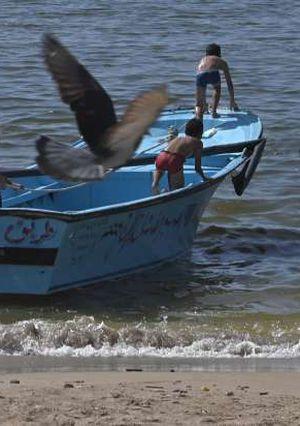 الهروب من الحر للبحر بالاسكندرية - تصوير احمد ناجي دراز