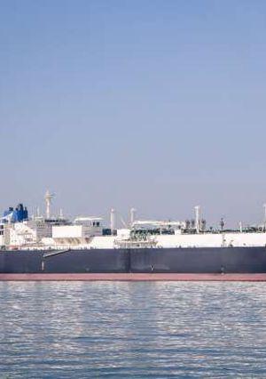 بعد توقف ثمان سنوات ميناء دمياط يستقبل اول سفينة لتصدير الغاز المسال