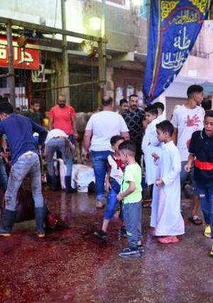 الأهالي تبدء اول ايام العيد بالدبح