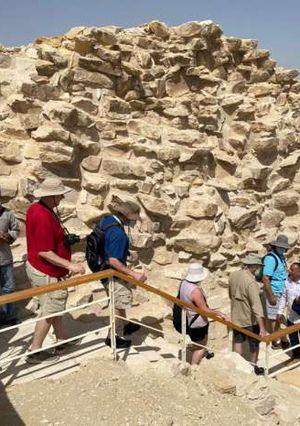 مشروع ترميم المقبرة الجنوبية للملك زوسر بسقارة، وذلك بعد الانتهاء من أعمال الترميم والتي بدأت عام ٢٠٠٦.