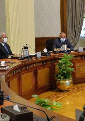 رئيس الوزراء يتابع مستجدات الموقف التنفيذي للشبكة الوطنية للطوارئ
