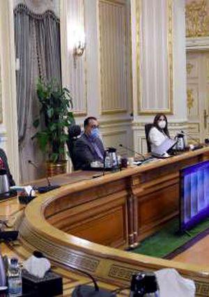 اجتماع مع وزير الرى تصوير سليما ن العطيفى
