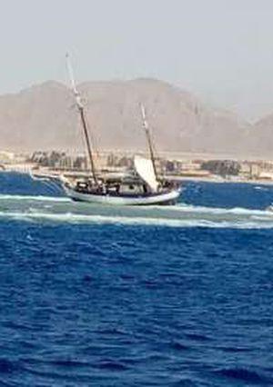 عاجل..  القوات البحرية تنقذ يخت من الغرق بمضيق تيران