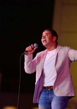 مدحت صالح شعل حفل دار الأوبرا بمسرح النافوره