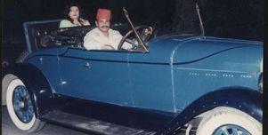 """ظهرت في """"سلام يا صاحبي وزيزينيا""""..""""سيد سيما"""" إمبراطور السيارات القديمة"""