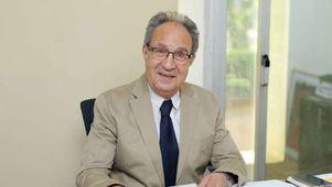 الدكتور محمد العزازى