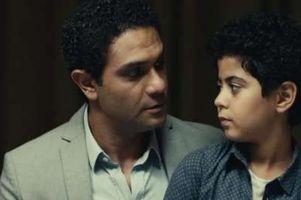 الطفل عمر حسن والفنان آسر ياسين
