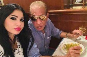 الفنانة الجزائرية ياسمين نيار مع المنتج محمد السبكي
