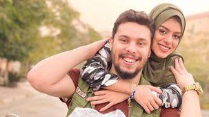 «مطلية بالذهب وبها ألماظ».. شاهد هدايا أحمد حسن الخيالية لزوجته «زينب»