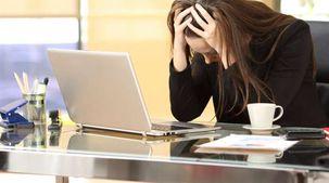 باحثون يحذرون: التوتر الجسدي في العمل يسبب فقدان الذاكرة والشيخوخة