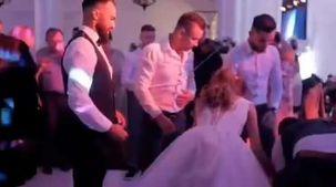 فرحة أصدقاء شاب روماني في حفل زفافه تصيبه بشلل نصفي: ليلة العمر تحولت لمأساة «فيديو»