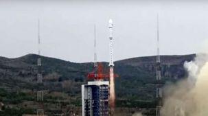 الصين تطلق 4 أقمار جديدة لمدارات الأرض في يوم واحد.. «فيديو»