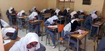 صورة أرشيفية- طلاب الشهادة السودانية