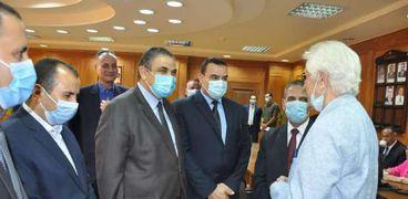 رئيس جامعة كفر الشيخ يتفقد الامتحان التأهيلى للدكتوراة بكلية التربية الرياضية