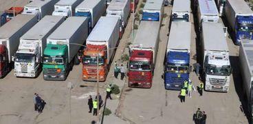 """محافظ بني سويف يستقبل أكبر قافلة للمساعدات الإنسانية من """"تحيا مصر"""""""