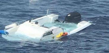 البسكويت ينقذ حياة رجل بعدما فقد في عرض البحر 16 يوماً