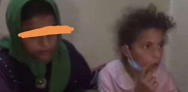 الطفلة شيماء وشقيقتها