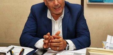 الدكتور فتحي عبدالوهاب رئيس صندوق التنمية الثقافية