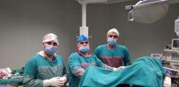 الفريق الطبى لجراحة العظام بمستشفى الضبعة