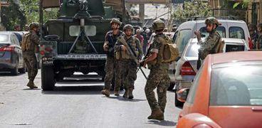الجيش اللبناني ينتشر في العاصمة بيروت للسيطرة على الاشتباكات