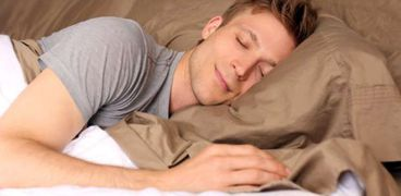 دراسة تكشف عن نظام غذائي يساعدك على النوم مدة أطول
