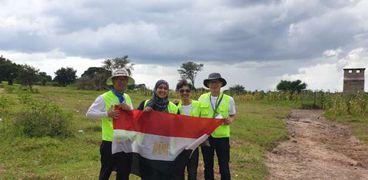 «رانيا» ترفع علم مصر مع المشاركين فى القافلة الكورية