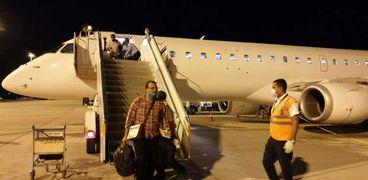 وصول طائرة جوبا مطار مرسي علم الدولي