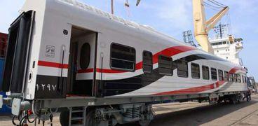 وزير النقل يعلن وصول 52 عربة سكة حديد جديدة للركاب إلى ميناء الإسكندرية