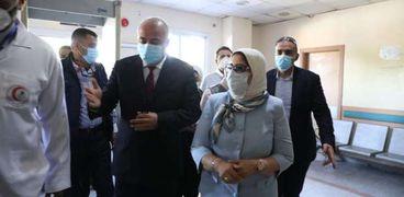 وزيرة الصحة تتفقد مستشفى قفط المركزي: ادعموا مرضى كورونا نفسيا (صور)
