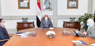 خلال اجتماع   الرئيس عبد الفتاح السيسي  مع الدكتور مصطفي مدبولي رئيس مجلس الوزراء، ونيفين القباج وزيرة التضامن الاجتماعي.