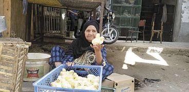 «جدة» تستعرض الكتاكيت لجذب الزبائن