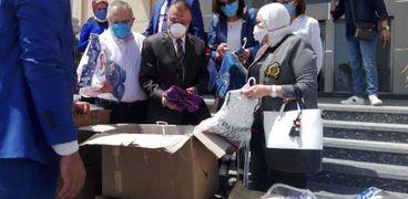 3000 قطعة ملابس من روتاري فاروس ولجنة المرأة بالروتاري لمحافظة الإسكندرية