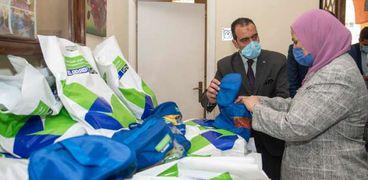 """القباج"""" توزع ملابس العيد في دور الرعاية"""