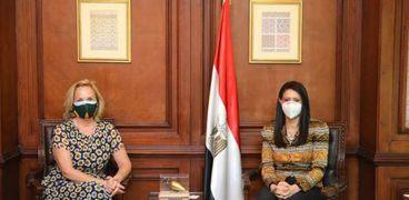 وزيرة التعاون الدولي خلال اللقاء