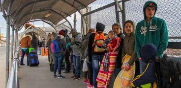 مهاجرون على الحدود المكسيكية الأمريكية