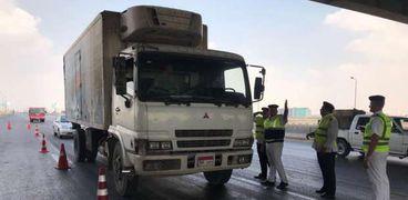 مرور سوهاج يحرر 397 مخالفة ويضبط سائقين لتعاطيهما المواد المخدرة