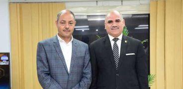 رئيس جامعة الأقصر يناقش إنشاء نادي لهيئة التدريس بطيبة الجديدة