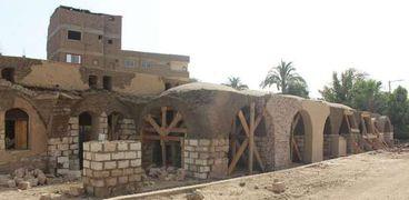 قرية حسن فتحي أثناء الترميم