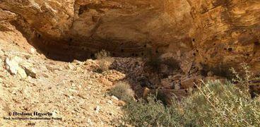 """اكتشاف كهف أثري بـ""""وادي الظلمة"""" في سيناء"""
