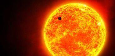 الشمس تزين نجوم السنبلة لمدة 44 يوما