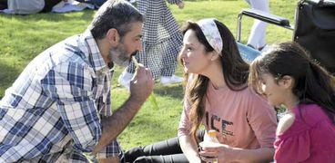 ياسر جلال ونيرمين الفقي في مشهد من مسلسل ضل راجل