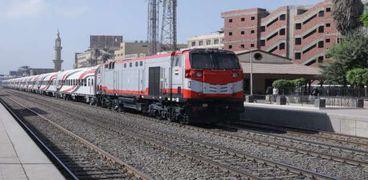 أحد قطارات السكة الحديد الجديدة
