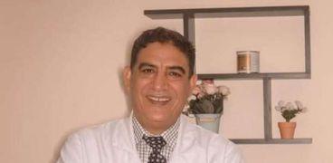 الدكتور درويش درويش استشاري الأنف والأذن والحنجرة
