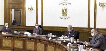 «مدبولي» ترأس اجتماع متابعة تنفيذ مباني مدارس النيل بحضور عدد من الوزراء